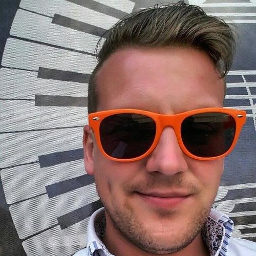 RizzLe Zak's avatar
