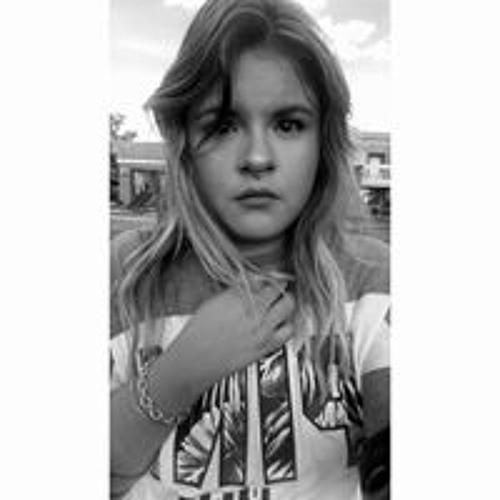 Evelyn Bernal's avatar