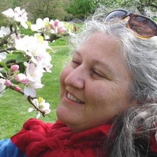 Carmen Paz's avatar