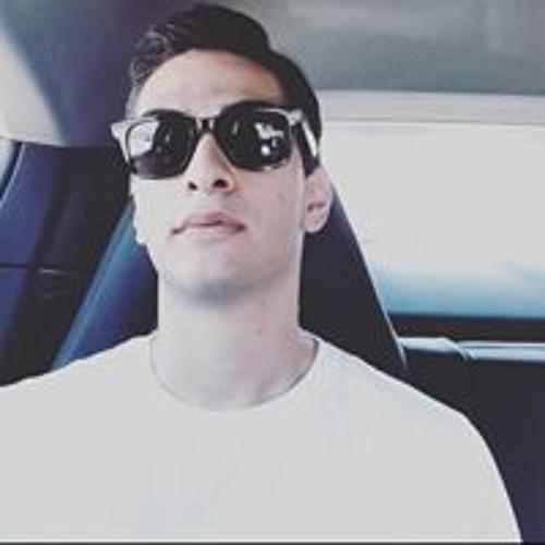 Omid Eslamloo's avatar