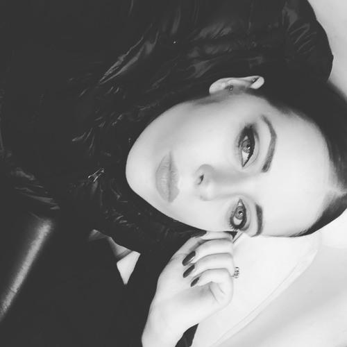 charidemilia's avatar