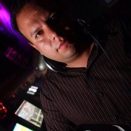 LUIS MEZA's avatar