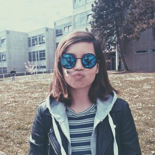 Clara Schneider's avatar