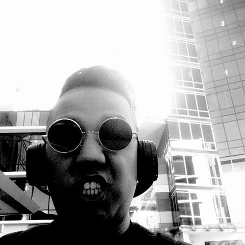 YQ  Choi's avatar