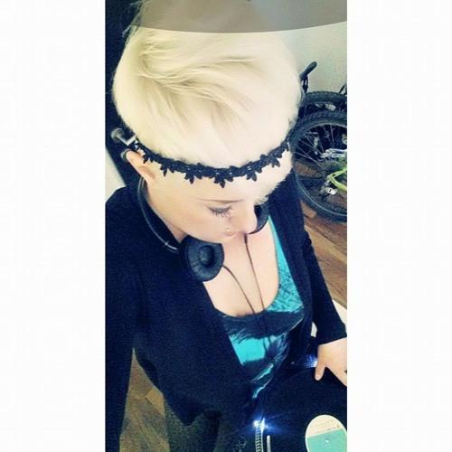 Ella Tinker-(HOUSE)-bella's avatar