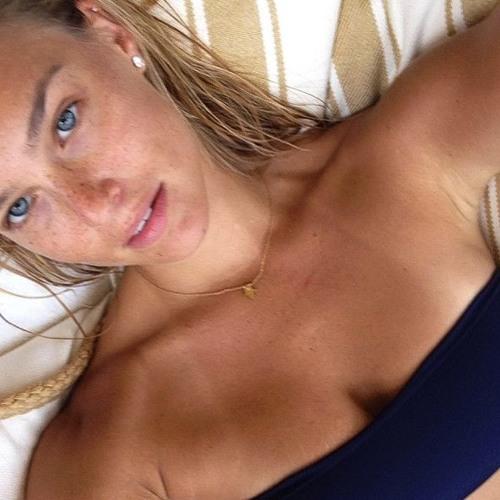 Kristine's avatar