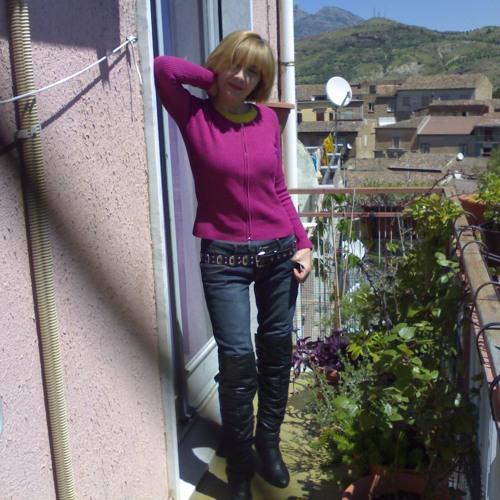 Lucia Pennella's avatar