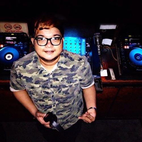 DJ DAMIAN JR's avatar