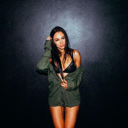 Jess Ne Ville's avatar