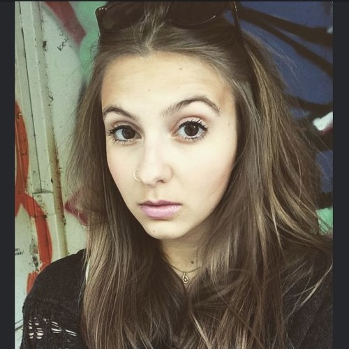 Lisa Auchroxy's avatar