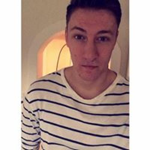 SimonLynggaard's avatar