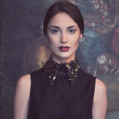 Louise Molinaro's avatar