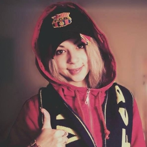 Belinda Kavaz's avatar