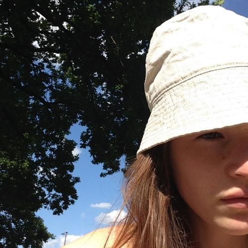 Alina Naomi's avatar