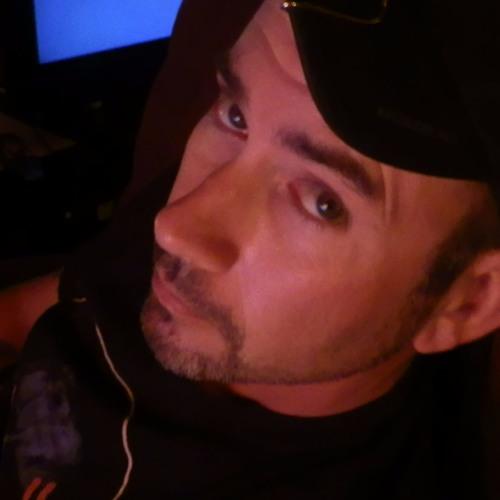 (N-Que)'s avatar