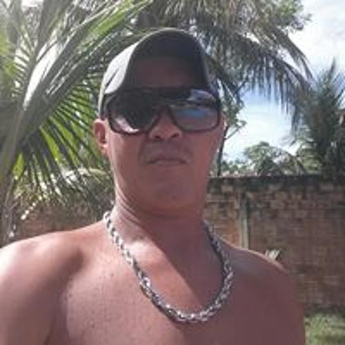 Carlos Roberto's avatar