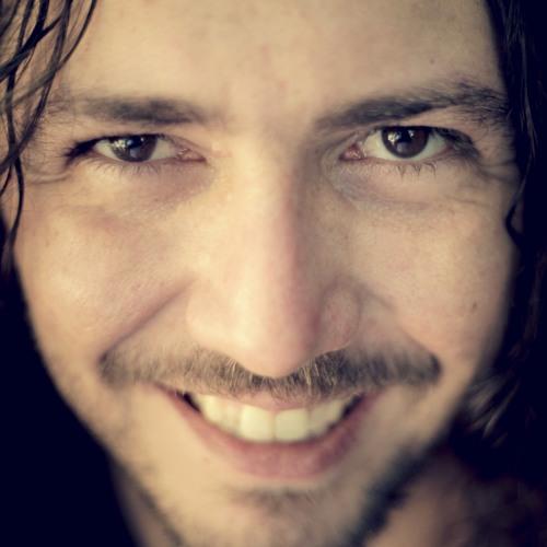 Léo Nascimento's avatar