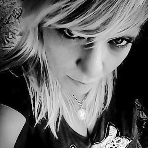 Michelle Christine's avatar