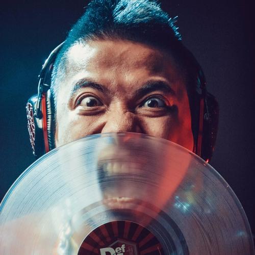 DJ WANG TRAN's avatar