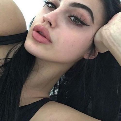 Maria Torres's avatar