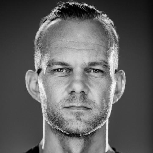 Charlie Roennez's avatar