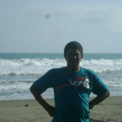Andi Muluk's avatar