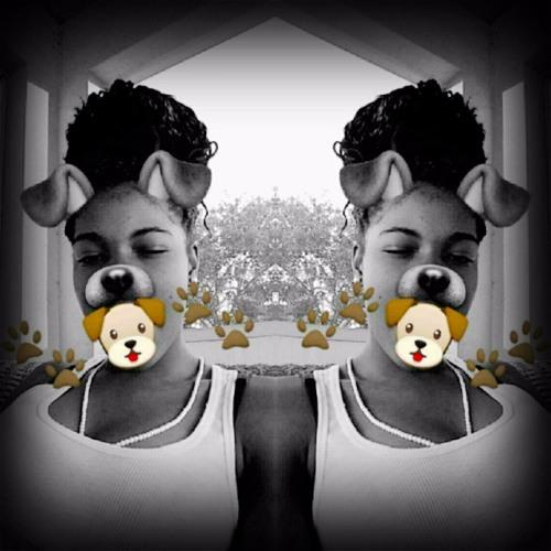 Lauraaa's avatar