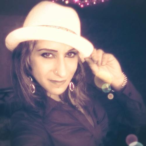 Julia Kaminski 1's avatar
