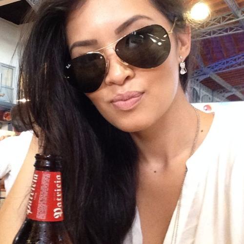AmandaSati's avatar
