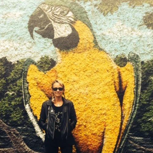 Eva Peel's avatar