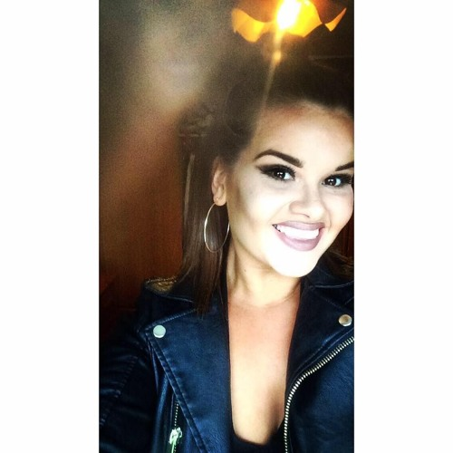 Alice Clarke's avatar