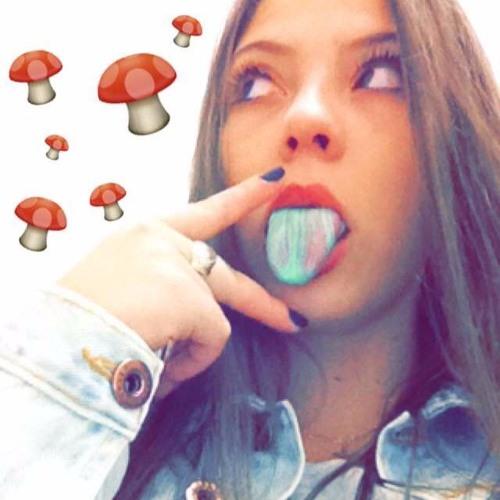 Natalia Dornelles's avatar