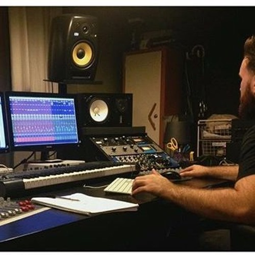 Lewis Mitchell Producer's avatar