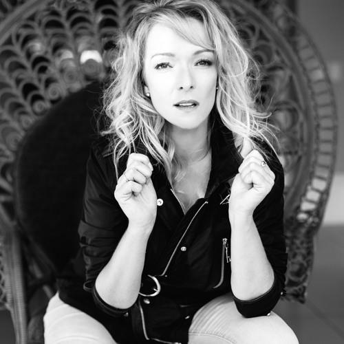Helen Desbois's avatar