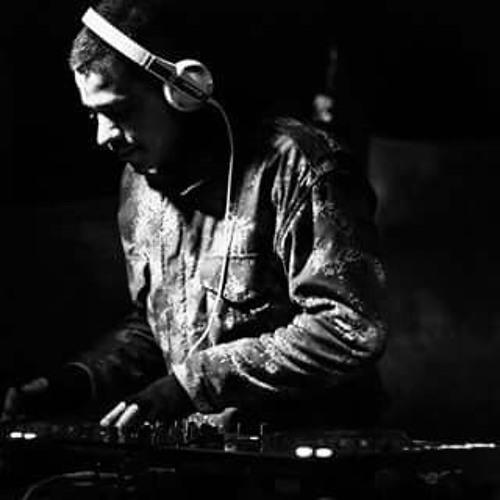 DJ-CHR0N1C's avatar