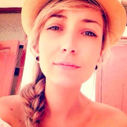 Pauline Tapah's avatar