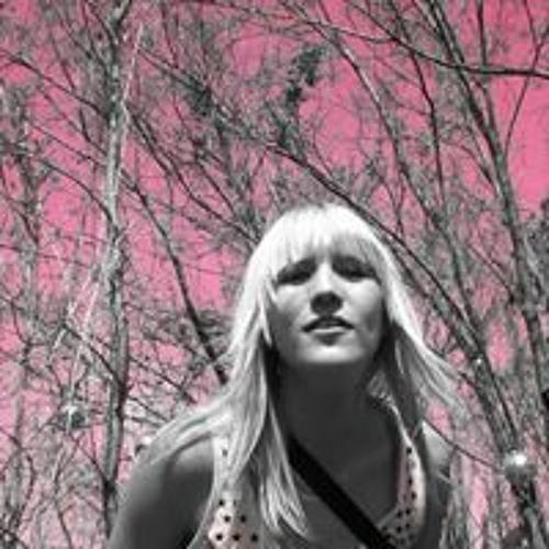 Melanie Neumann's avatar