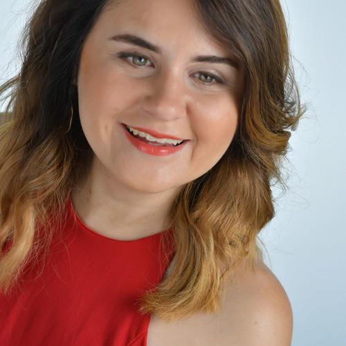 Danielle H's avatar