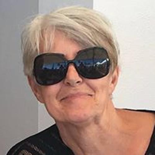 Yvonne Walker's avatar