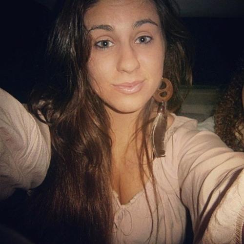 Bruna Cardoso's avatar