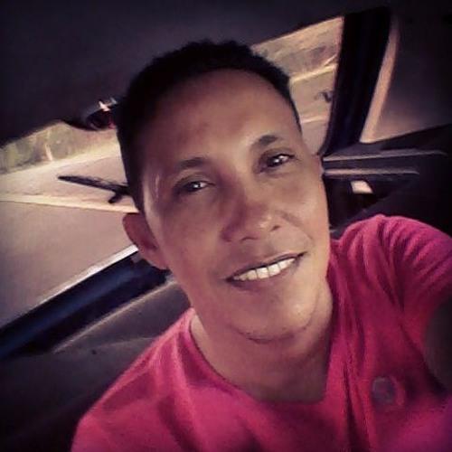 Eduardo Santos's avatar