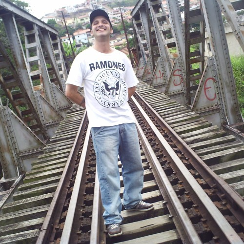 Robson Camargo 4's avatar
