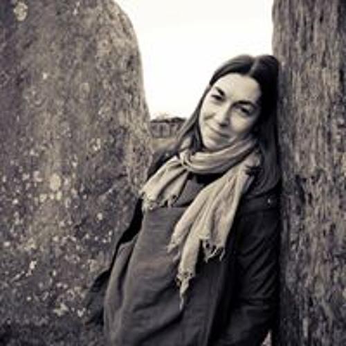 Nadia Beniamin's avatar