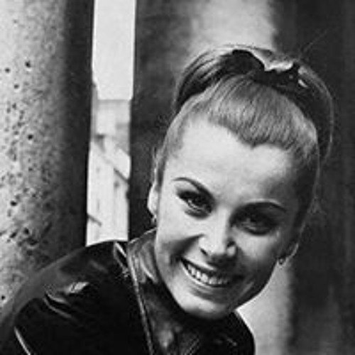 Veronika Romero's avatar