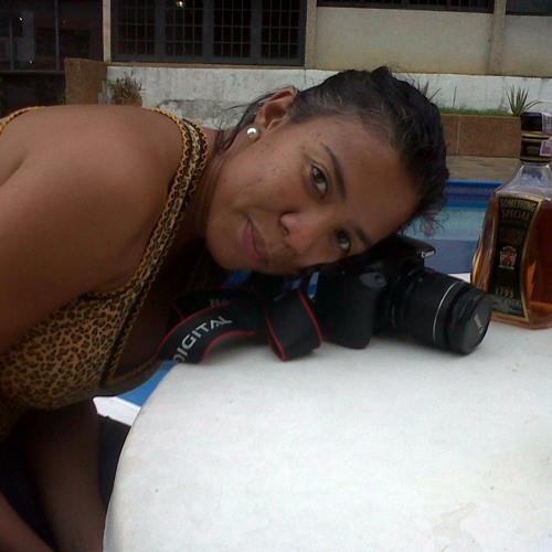 Heydi Morales's avatar
