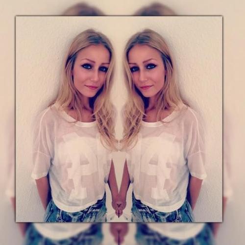 Freya Jh's avatar