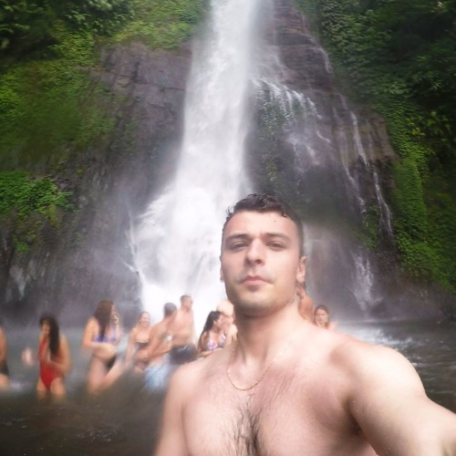 Ricardo Costa 66's avatar