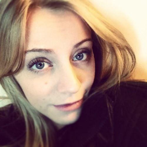 Heny *_*'s avatar