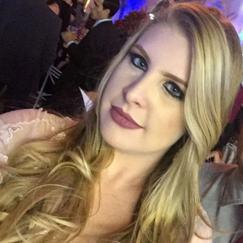 Amanda Oliveira's avatar