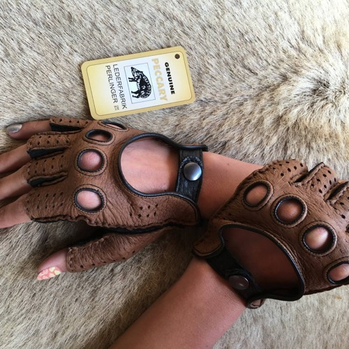Leather Gloves's avatar